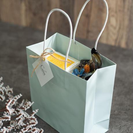 【父の日ギフト】枯れないカーネーションのミニ花束& 柿の種 セット ブルーイエロー