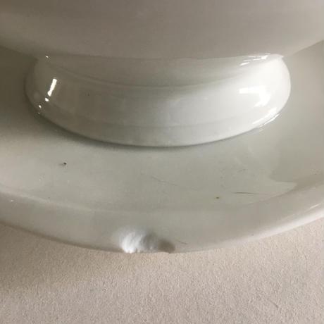 蓋付き ソーシエール ソース・ポット 小枝取っ手 白磁製