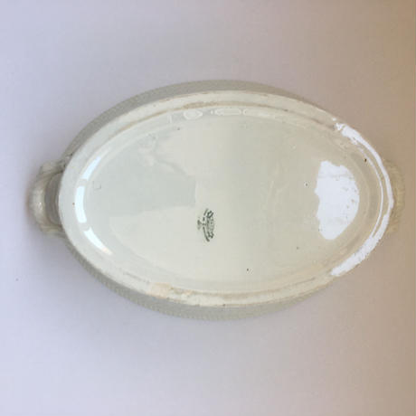 19世紀後半 クレイユ・エ・モントロー フォンテーヌ タンクと水受け パニエ・レリーフ 白陶器