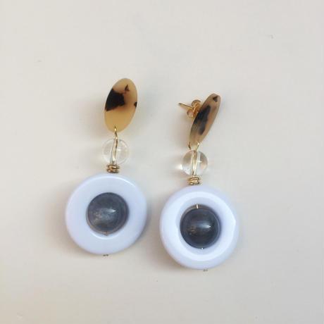 tortoiseshell circle beads pierce