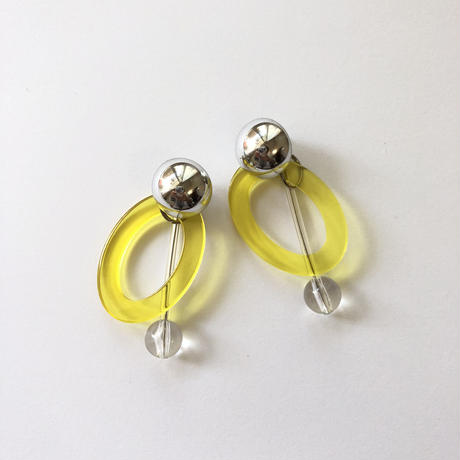 yellow hoop swing pierce