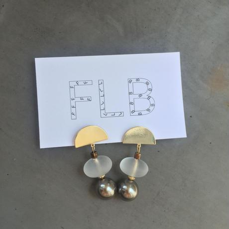 fan gold pearlbeads pierce