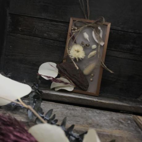 木枠のボタニカルアロマワックスサシェ
