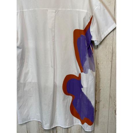 ペイント柄バックロングシャツ.1591