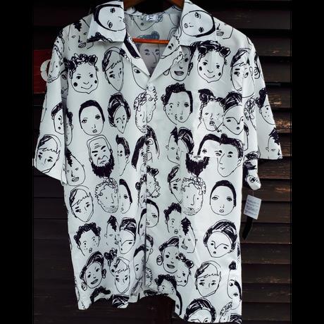 再入荷 顔が印象的なシャツ.238