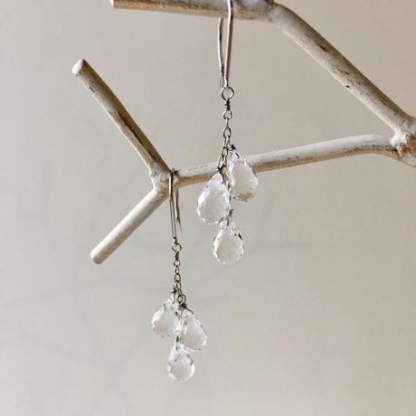 DEW(水晶) 3粒 ドロップピアス 【K18】 ホワイトゴールド
