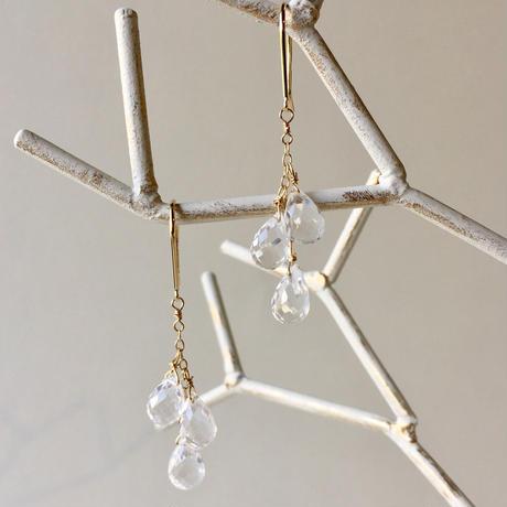 DEW(水晶) 3粒 ドロップピアス 【K18】