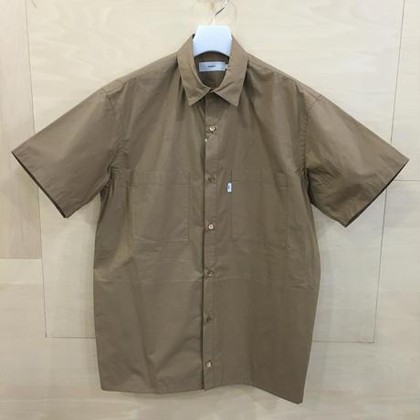 Graphpaper / GM191 50025B / Typewriter S/S Box Shirt (BEIGE)