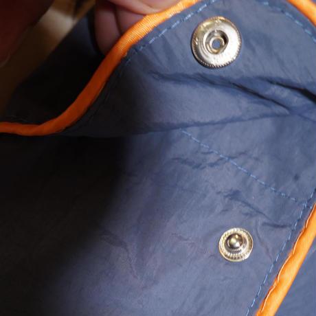 青色にオレンジのパイピングが天才なセットアップ