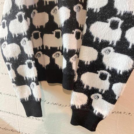 めーめーヒツジ総柄セーター