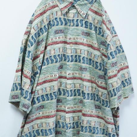 かわいい総柄シャツ