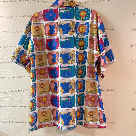 太陽とクマの絵本みたいでかわいいシャツ
