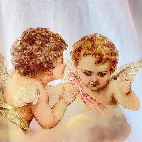 天使が「人間の考えてることクソじゃんね」と耳打ちしてるロンT