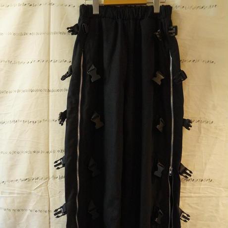 バックルzipperパンツ
