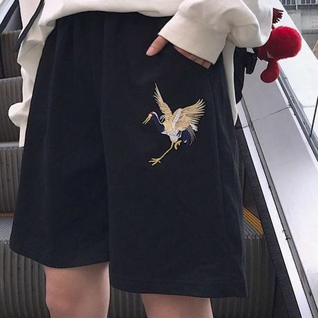 鶴刺繍ハーフパンツ