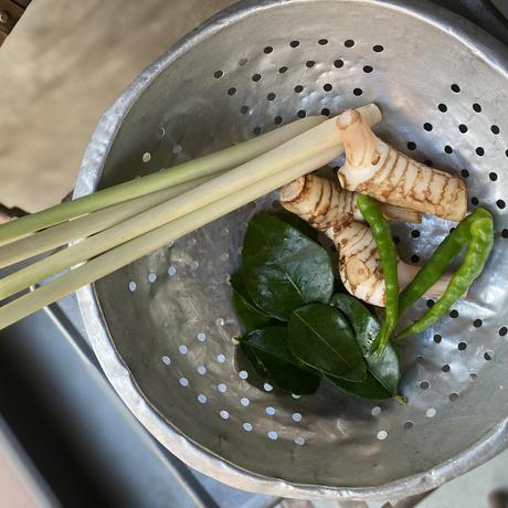 クアクリンムゥ(タイ南部ポークのスパイス炒め)(1食分)/アベクミコ