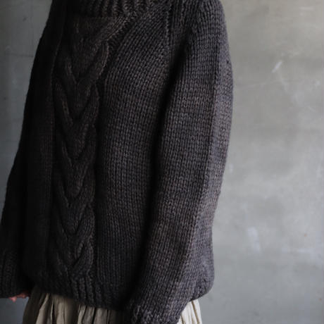 BIEK VERSTAPPEN / Hand-knitted Sweater Cable  / Bie-19012
