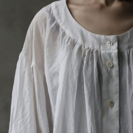 cavane キャヴァネ /  Buttoned open blouseブラウス  / ca-21058