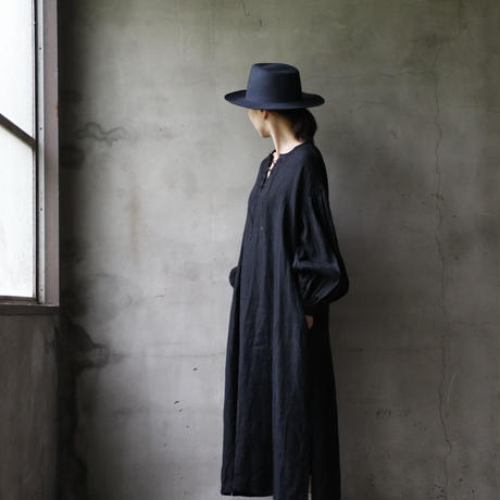 cavane キャヴァネ /  【受注】Lace-up one-piece 編み上げワンピース / ca-18086