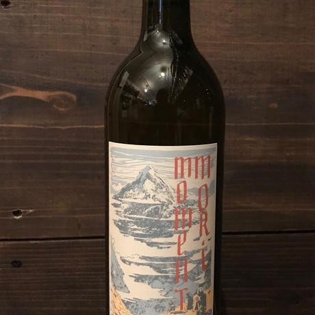 ステアリング・アット・ザ・サン 2018年 モメントモリ・ワインズ