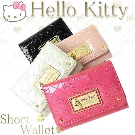 【Hello Kitty】ハローキティ キティちゃん かぶせ付き二つ折り短財布  エナメル  大人可愛い hk26-3