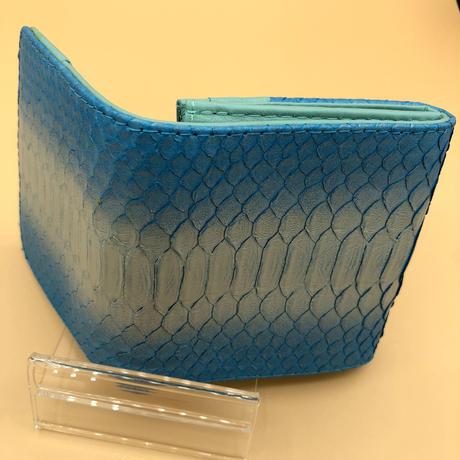 パイソン 二つ折りミニタイプ スカイブルー シルバー×内側ブルー