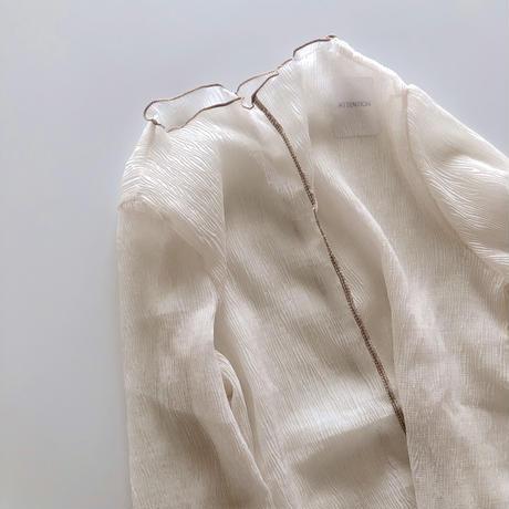 【待望の再入荷】インナーキャミ付きシアーパイピングトップス/アイボリー