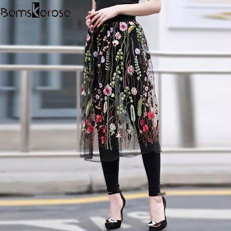花柄刺繍スカート