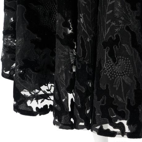 オパール刺繍ベロアサーキュラーパンツ(ブラック)