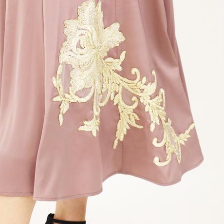 大輪の花刺繍ワッペンスカート