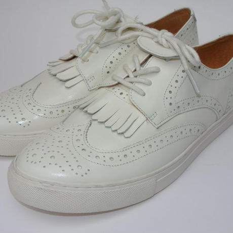 wing-tip WHITE