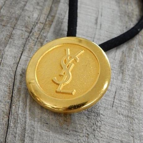 ヴィンテージ Yves Saint-Laurent イヴ・サンローラン YSLゴールドボタン  23mm ボタン ゴールド ヘアゴムのおまけ付(y-2)