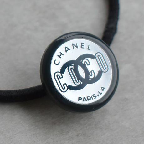 ヴィンテージ CHANEL シャネル ボタン ココマーク 18mm プラネイビー×ミラー ヘアゴム付き(c-238h)