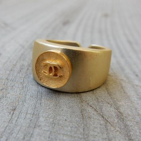 ヴィンテージCHANELボタン シャネル ココマーク 9mm ゴールドボタン 指輪 #12号 リングパーツ付き (c-1)