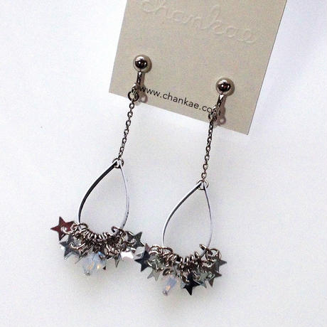 Metrocard earrings メトロカードイヤリング/銀星形スパンコール×オフホワイト