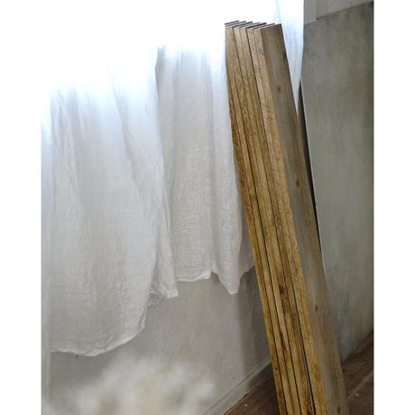60サイズ:アンティークホワイトのシャビースタイルな板壁スタイリングボード