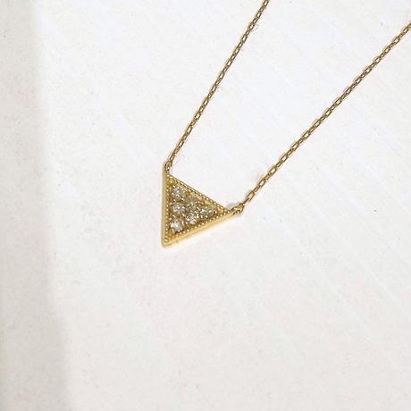 K10YGダイアモンドトライアングルネックレス