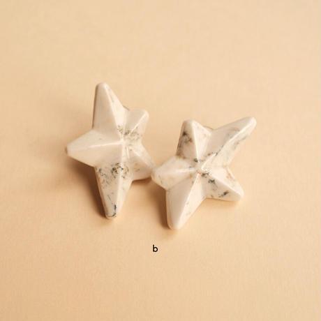 アシンメトリー星型ピアス