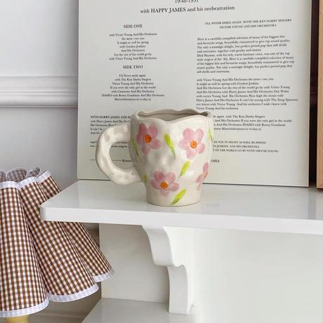陶器のお花のマグカップ