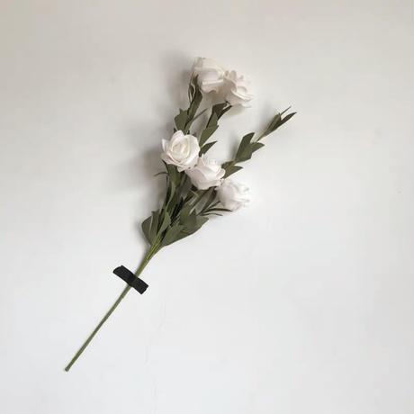 造花のローズ