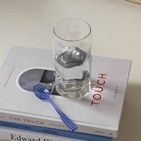 日曜の午後の透明グラス