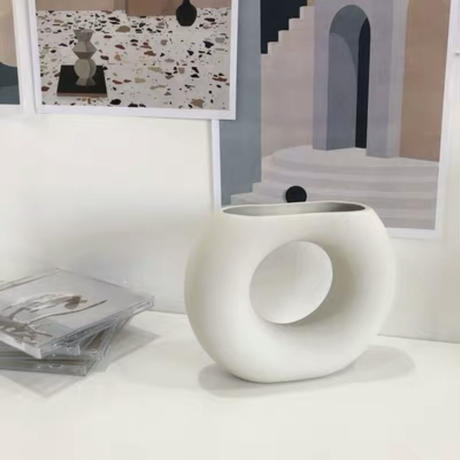 陶器のハーフ花瓶