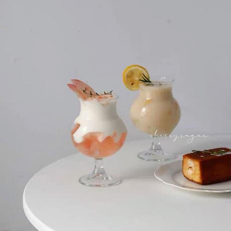 ガラスのジュースグラス