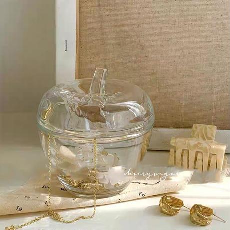 林檎のガラスの器