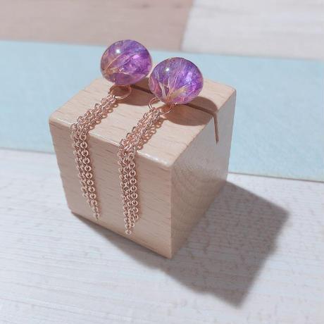 紫スターチスのカボション×ピンクゴールドチェーンピアス