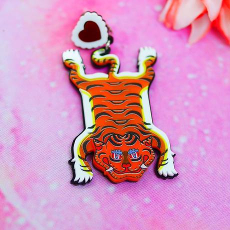 Tiger Carpet Brooch/Single Earring ・Ear clip