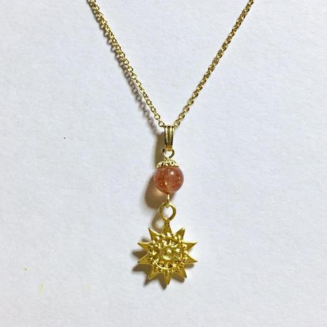 天然石サンストーンのネックレス