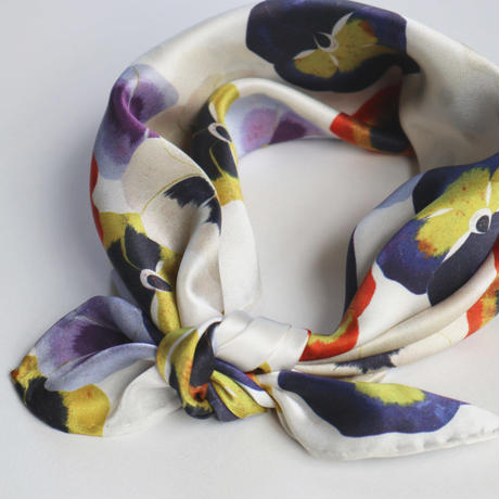 mini scarf < on the pansy >