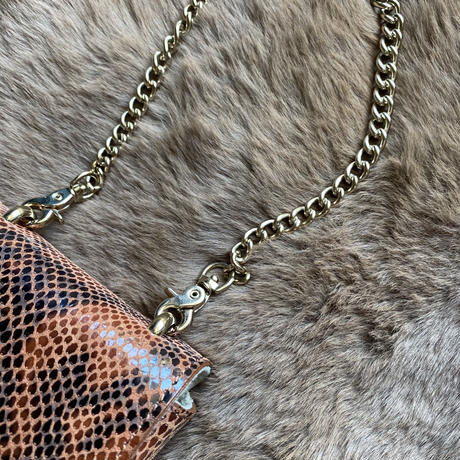【wallet necklace/python】