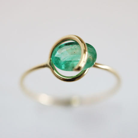 Circle ring / Emerald 2